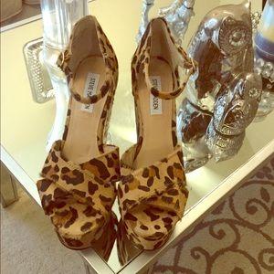 Steven madden platform leopard wedges size 9.5